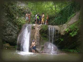 На великом водопаду