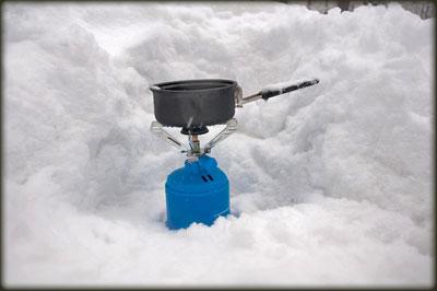 Kuvanje čaja u snegu
