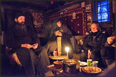 Otac Akakije, mati Efrosinija i Natalija u Skitu