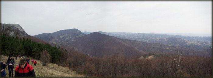Nadomak Malog Vukana, Veliki Vukan i Sumorovac u pozadini