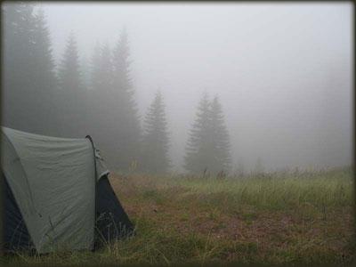 Osvanulo je divno, kišno, hladno i maglovito jutro...
