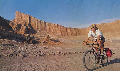 Canyonfeeling: prašnjavi put kroz Atakamu vodi kroz ogromne stenovite predele