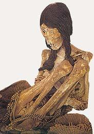 """Ovo nije prva biciklistkinja koja je pokušala da pređe Atakama pustinju, već """"Mis Čile"""", jedna mumificirana dama stara 1200 godina"""