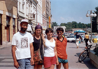 Marjan, Hineke, Sofia i Rajko u Nišu (L)