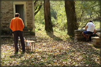 Kada je sunce već dobrano odskočilo 2. oktobra, lenjo smo se izvukli iz vreća i izašli ispred doma, da doručkujemo natenane...