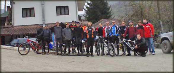 Ekipa na okupu pred početak akcije