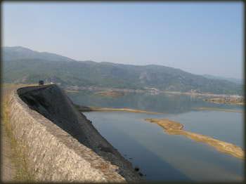 Slansko jezero, prelazak preko brane, put ka goletima i sjajnim predelma za bajking